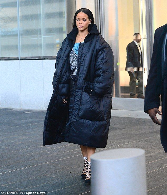 Rihanna in big coat | Celeb Hair Extensions | Pinterest | Rihanna ...