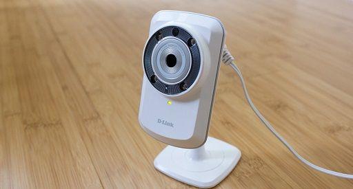 Recensione D-Link DCS-932L, la videocamera Wireless per monitorare la casa 24 ore al giorno; dotata di LED a infrarossi per vedere anche in assenza di luce
