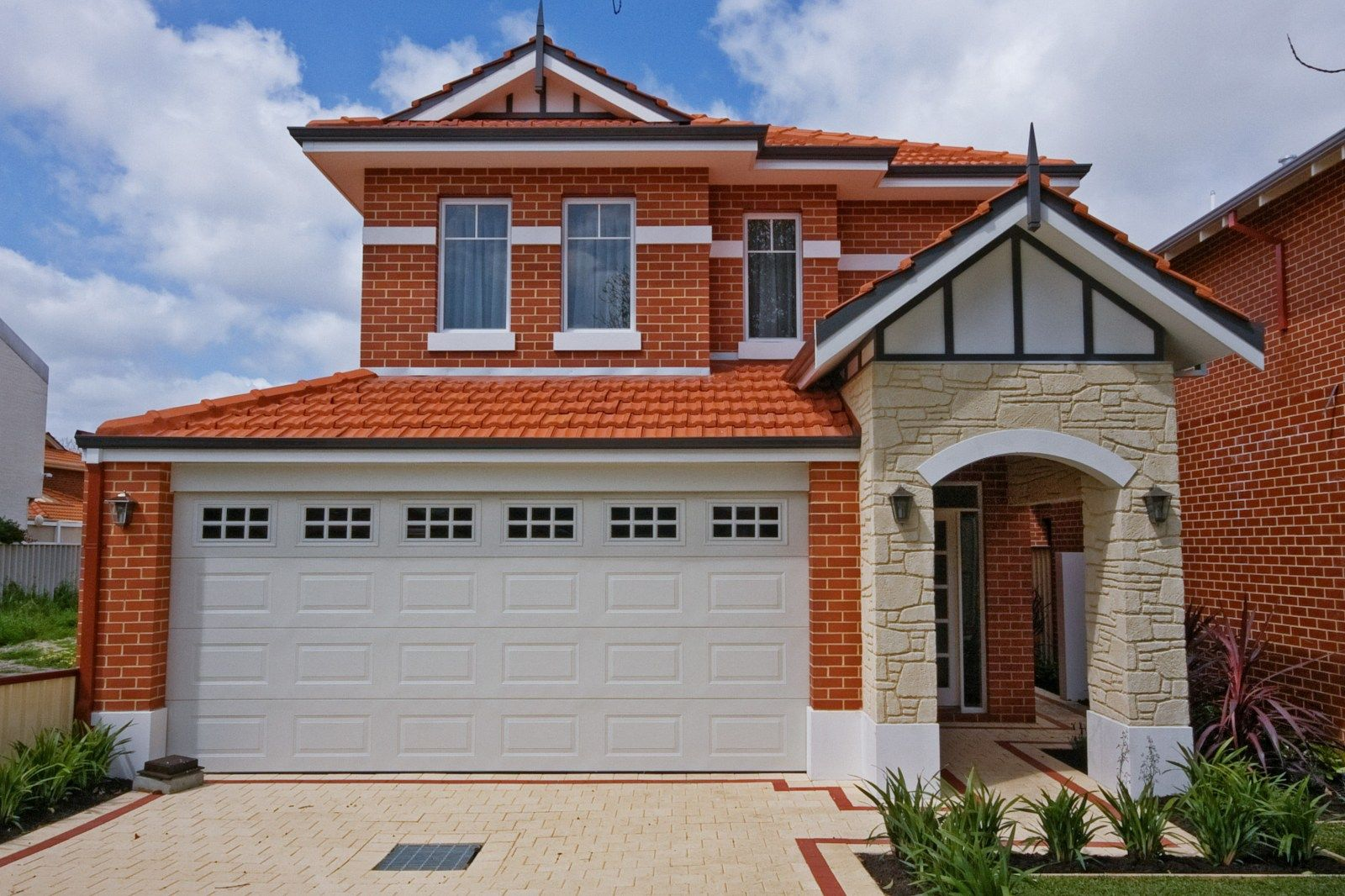 The brisbane by plunkett homes for Narrow lot home builders perth