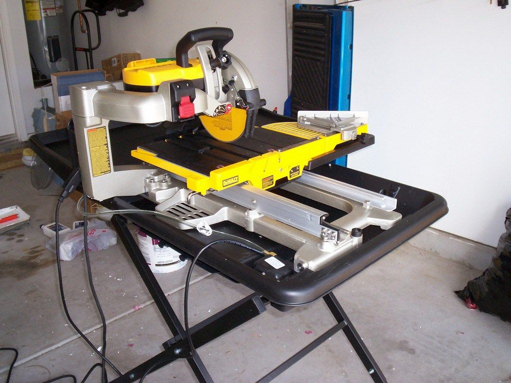 The Best Wet Tile Saw In 2020 For An Engineer Just Needs Paint