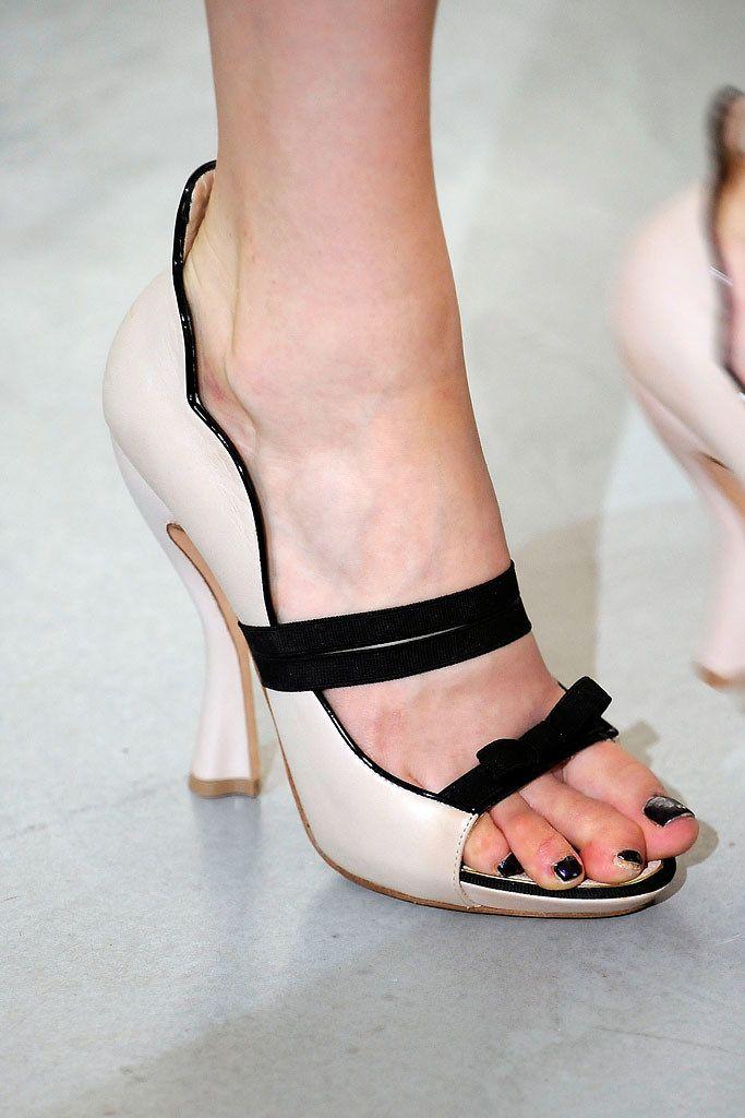Nina Ricci Spring 2010 Ready-to-Wear Fashion Show Details