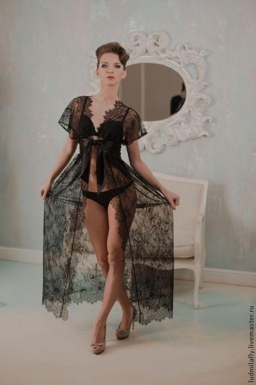 Купить Черный лебедь - шикарный пеньюар из кружева шантильи с шелковым  поясом - черный, цветочный 091bdcccc29