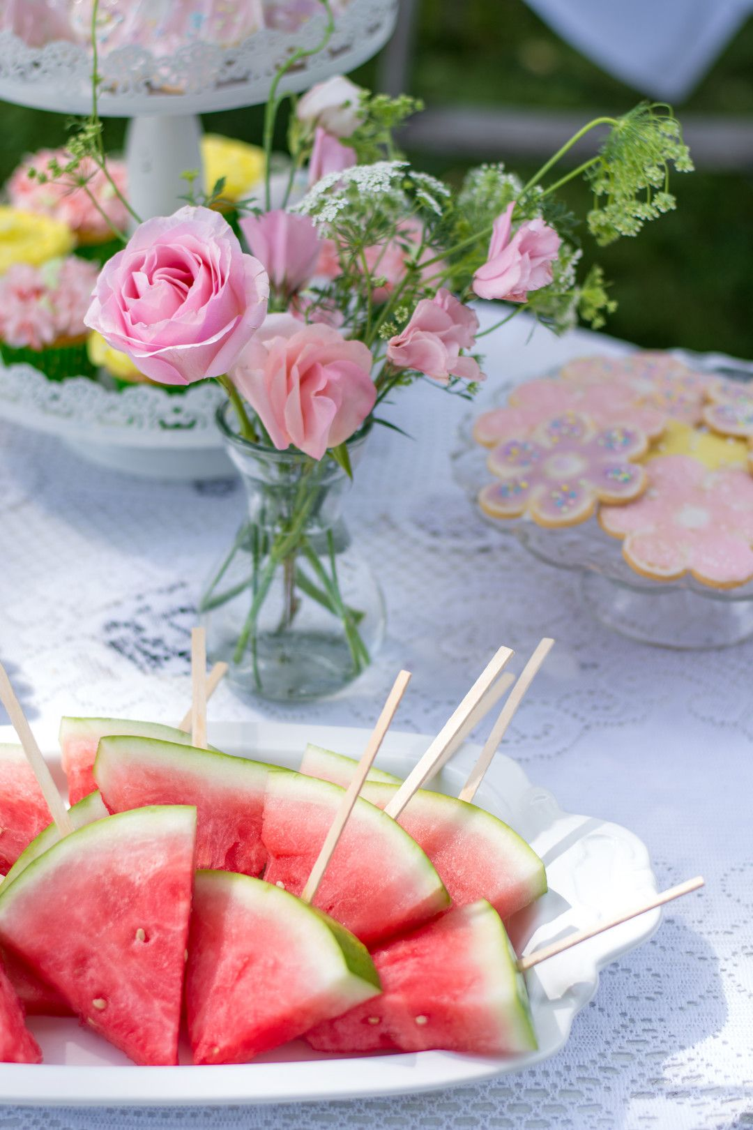 How to Host an Elegant 13th Birthday Backyard Party   Parties365