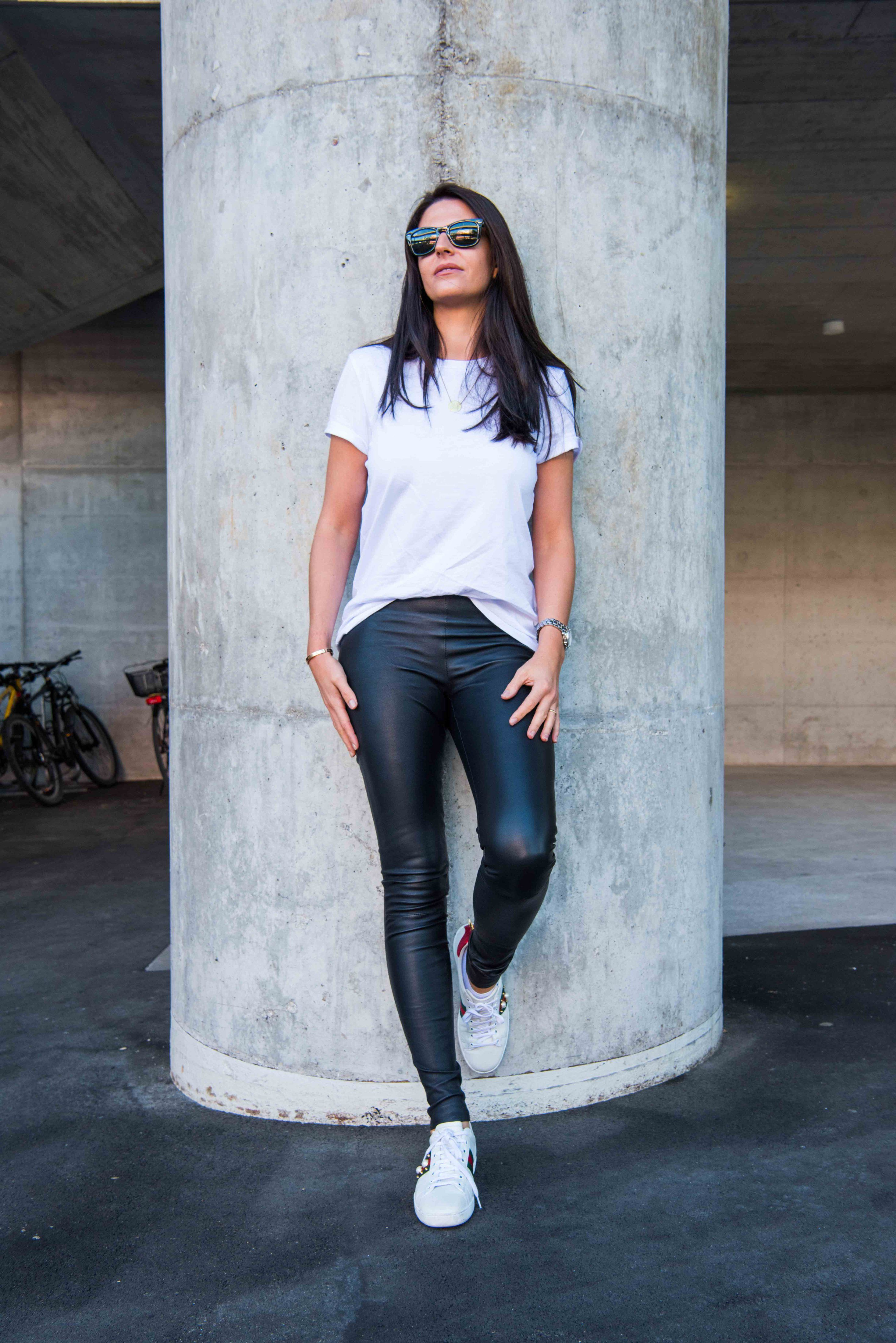 1f833f53a6c White t-shirt. Leather pants outfit. Casual outfit