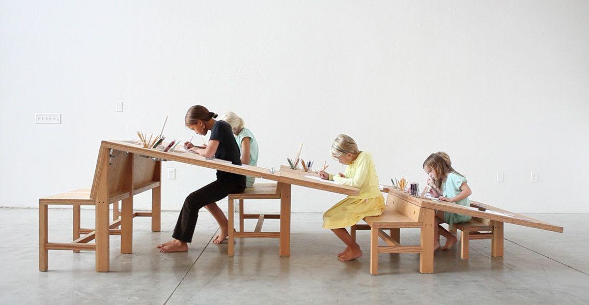 成長に合わせて座る位置を変えるテーブル  (via Growth Table by Tim Durfee & Iris Anna Regn. Extremely smart! [1157x600] - Imgur)