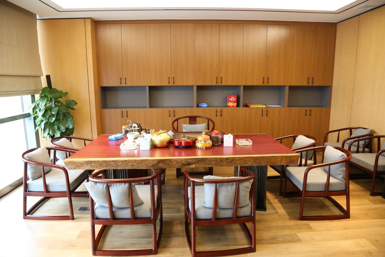 #DiningRoomChairs #roomdesign #tabledecor #diningtabledecor