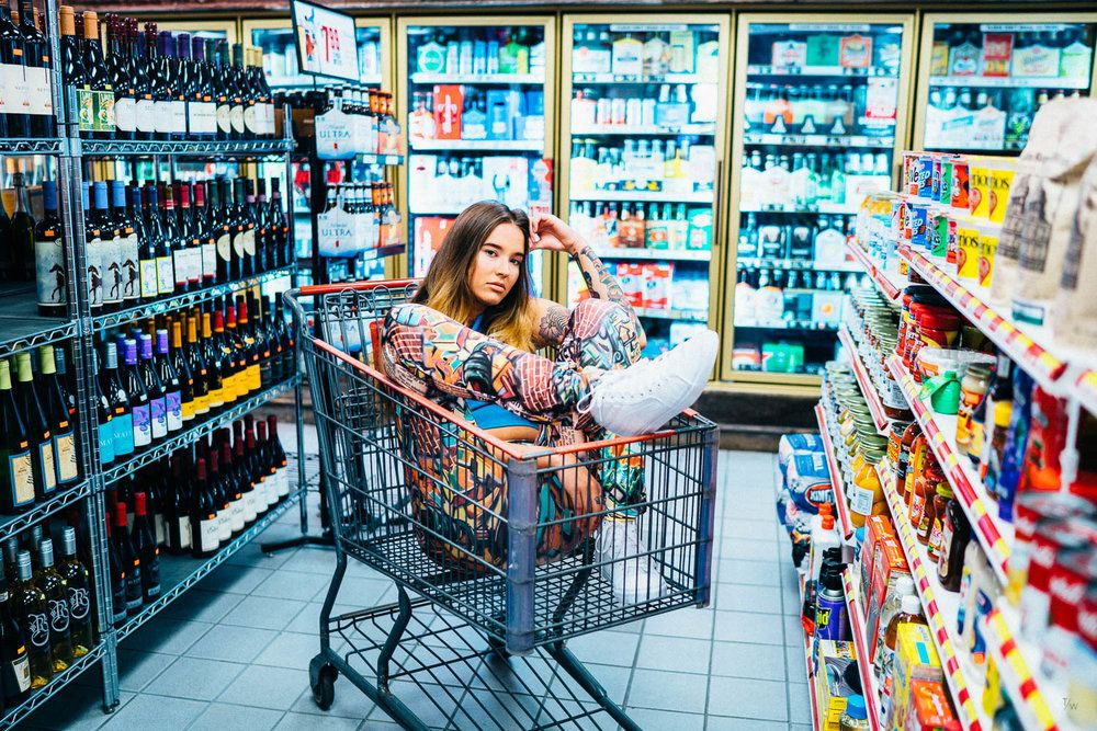 фото идей представленности товаров в магазине фарфор характеризуется элегантностью