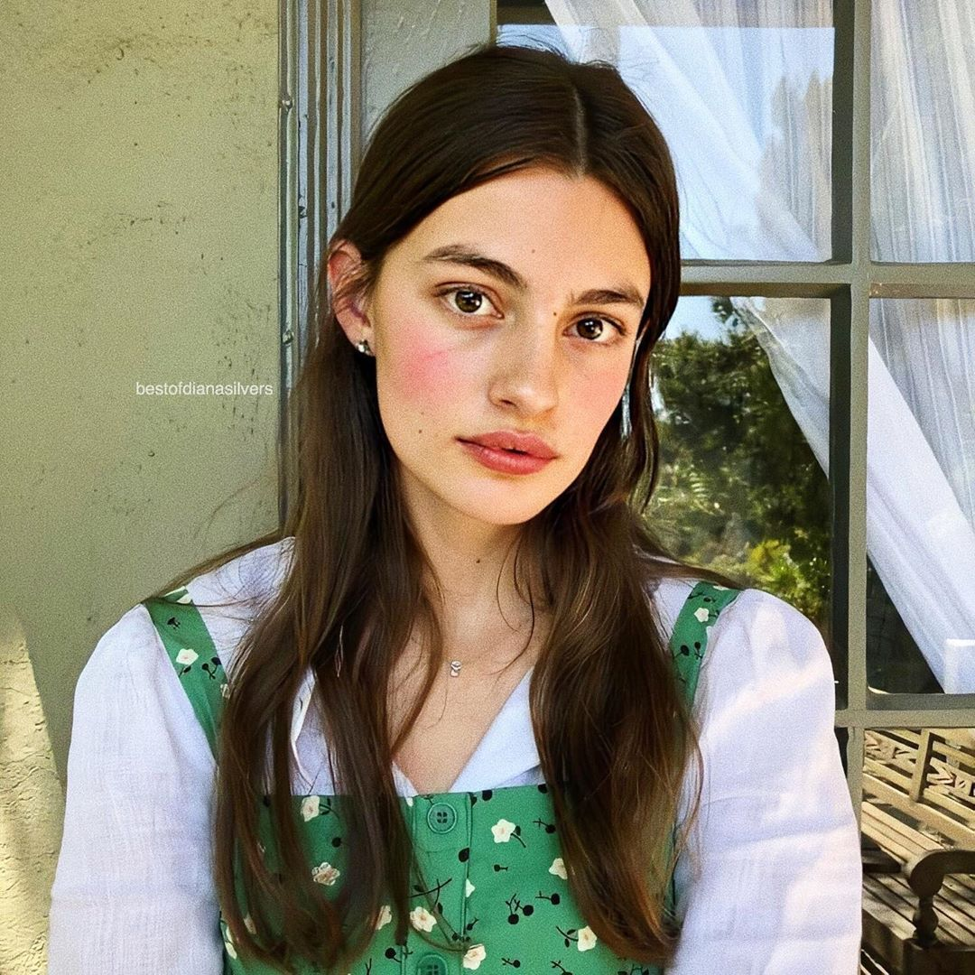 best of diana silvers on instagram today we re appreciating art but don t get me wrong when i say art cuz i m talking about diana in 2020 diana beauty pretty people pinterest
