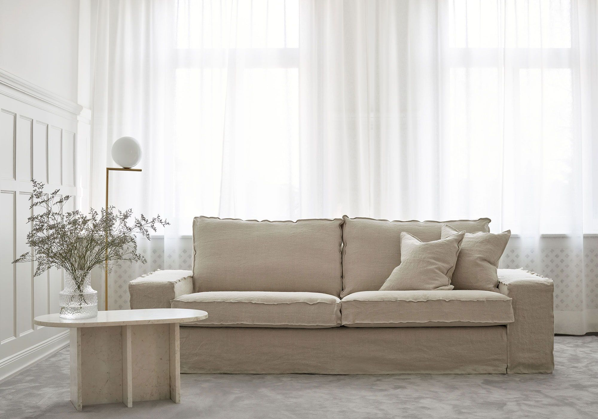 Sophisticated Minimalism The Ikea Kivik Sofa Is Characterised By Its Boxy Statement Shape Here The Look Of It Is Completely T Ikea Kivik Kivik Sofa Ikea Sofa