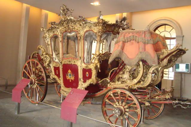 3603a024f92 Carruaje de Carlota y Maximiliano Horse Carriage