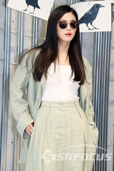 ba0aaab7386 JUNJIHYUN  전지현  JunJiHyun  JeonJiHyun  GiannaJun Jun ji hyun - Jeon ji hyun  - gentle monster event