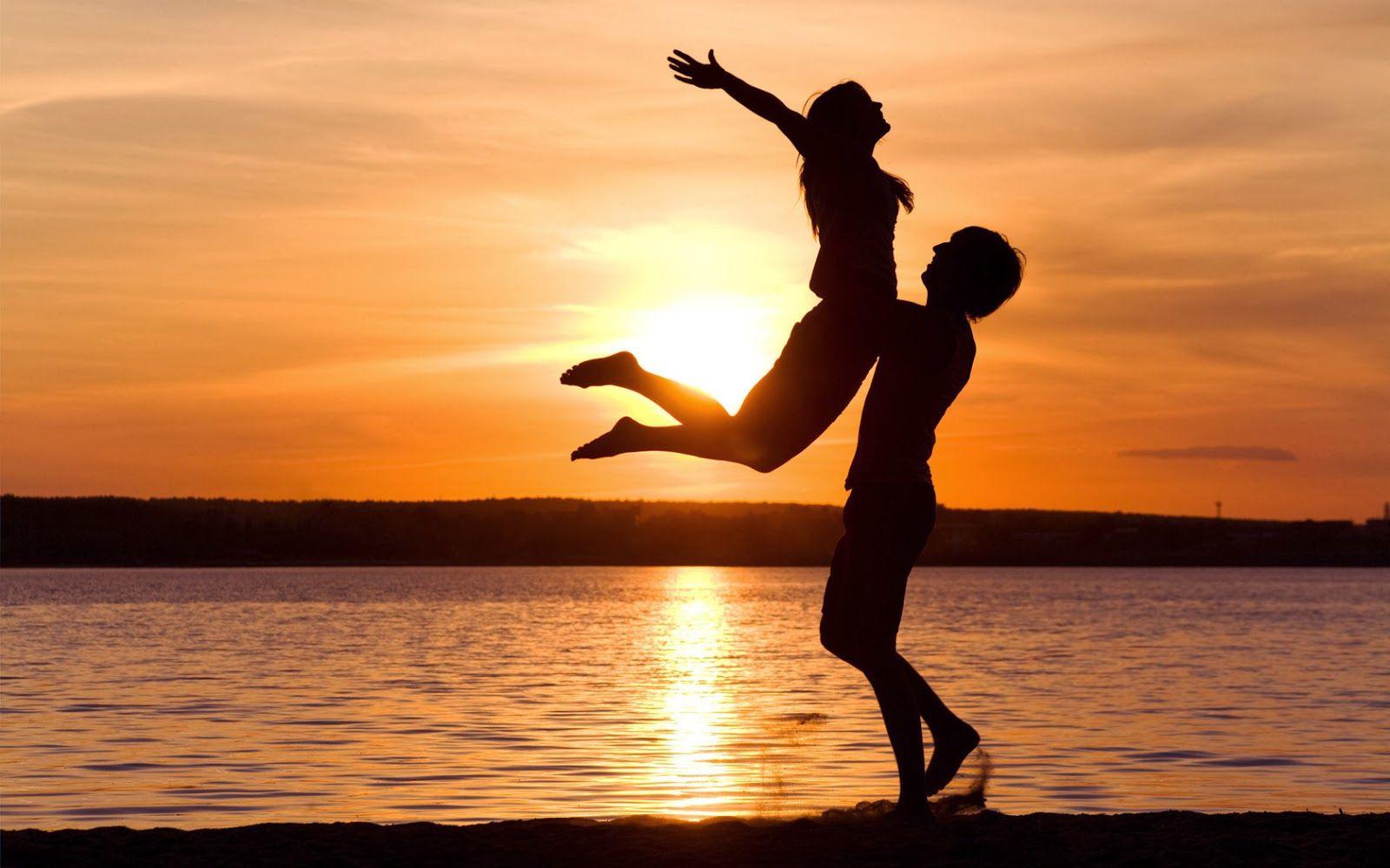 Parejas De Enamorados En La Playa Fotos Bonitas De Amor