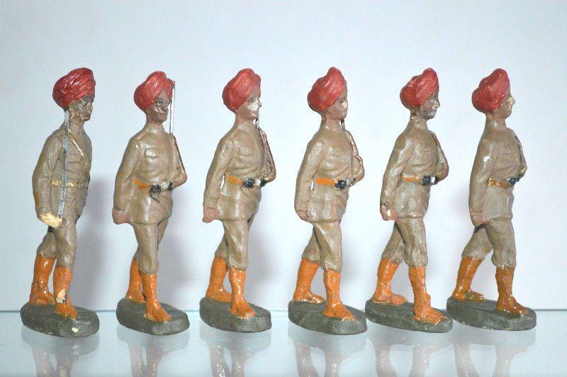 Massefiguren Hausser Elastolin arabische Soldaten marschierend mit Offizier 136…