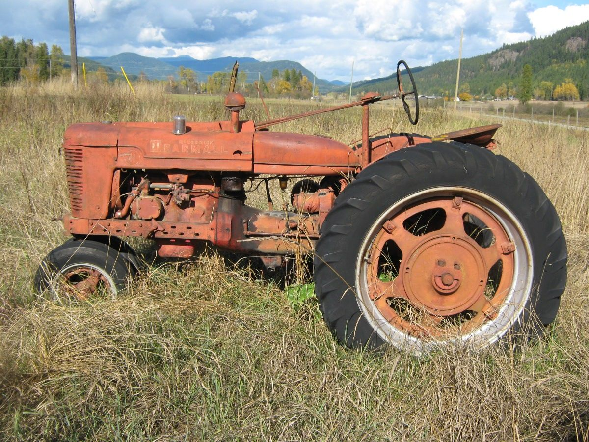An old Farmall Tractor taken at my sister's place.