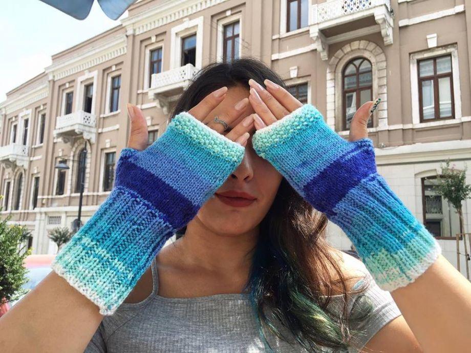 Mavi Eldiven Zet.com'da 18 TL