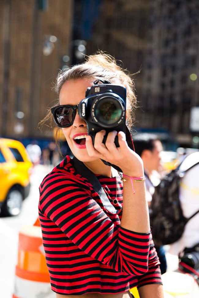 25 Fashion Poses For Lifestyle Bloggers + 4 Tips To Feel More Comfortable In Front of the Camera