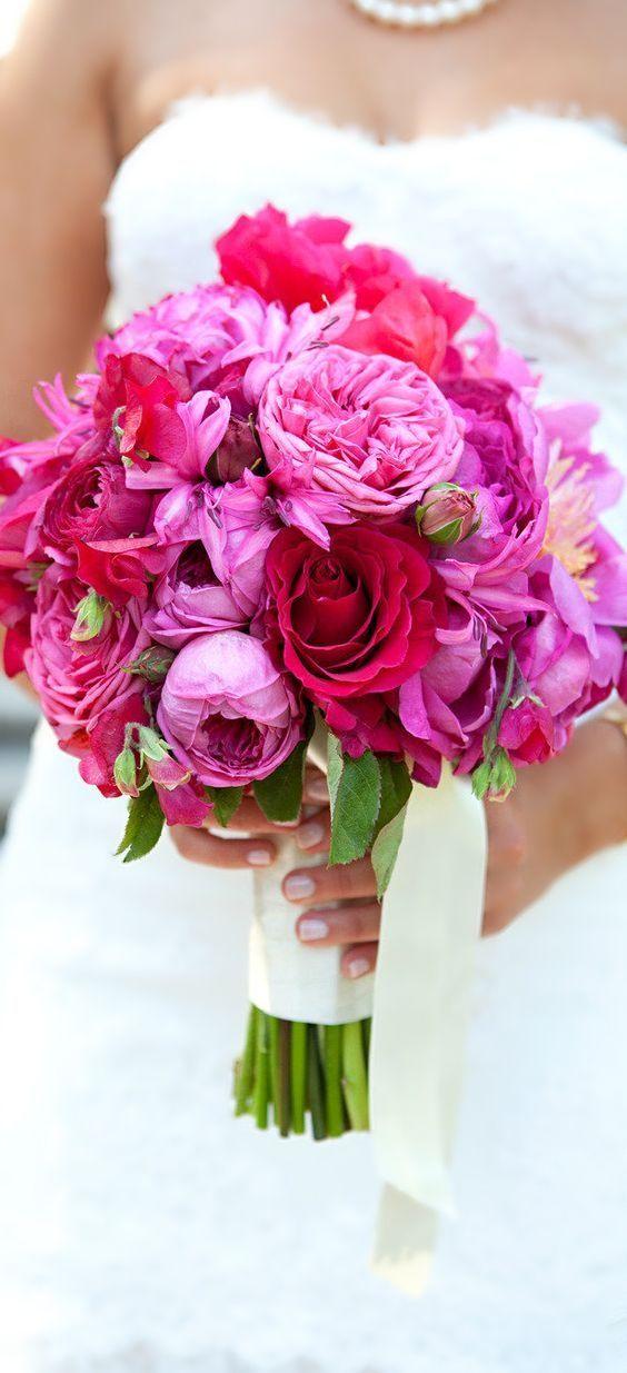 26 Rozowych Bukietow W Ktorych Sie Zakochasz Garden Rose Bouquet Wedding Wedding Flowers Garden Rose Bouquet