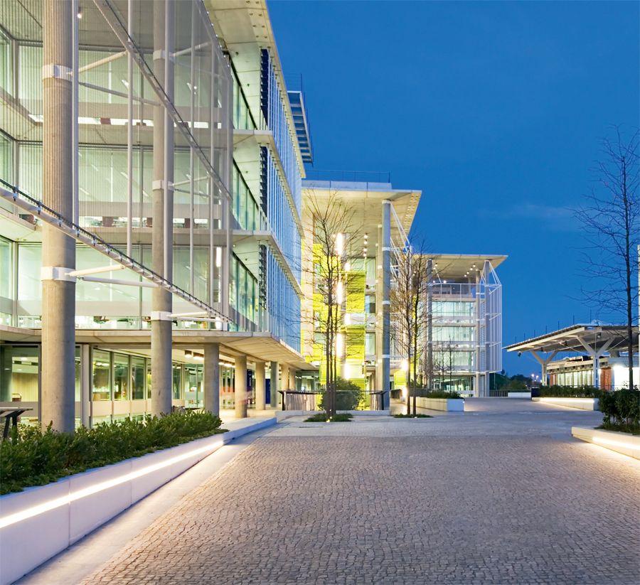 Rogers Stirk Harbour + Partners, Vidal y Asociados arquitectos. Campus Palmas Altas. Nuevo Complejo de Oficinas Abengoa. Sevilla. Fotografía: Víctor Sájara
