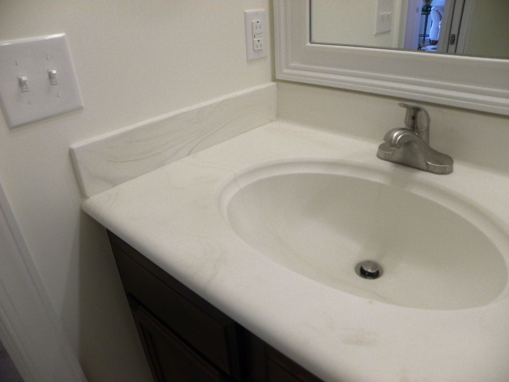 Bath Countertops Are 1 4 Thick Matte Finished Cultured Marble With Swirl Bullnose Edge And Integral Sinks