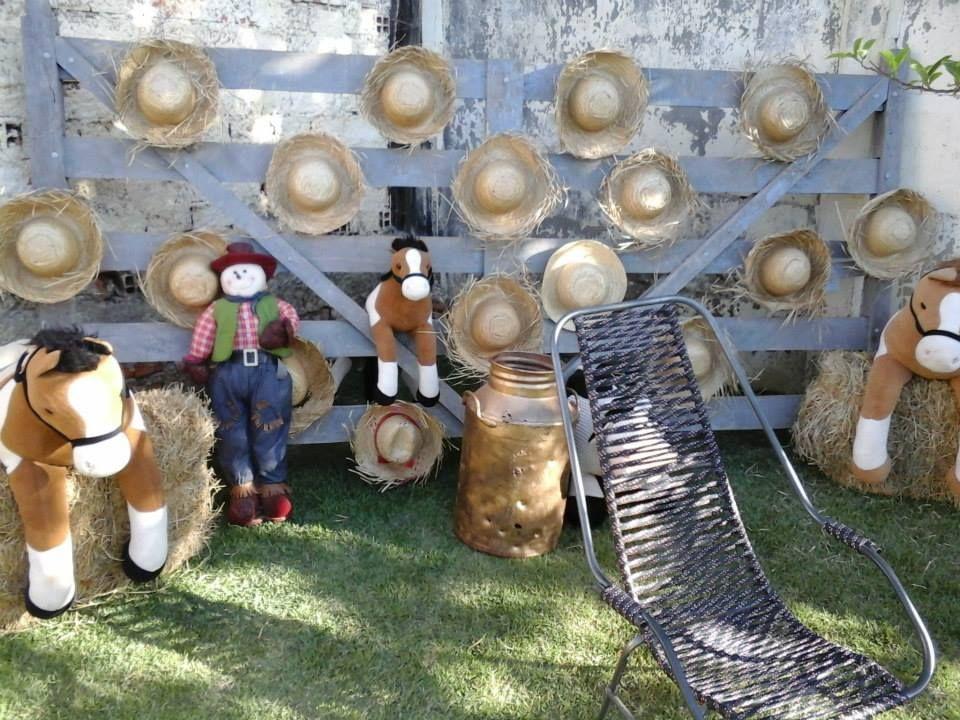 Festa de 03 anos tema Fazendinha decoração de Alquimia Festas
