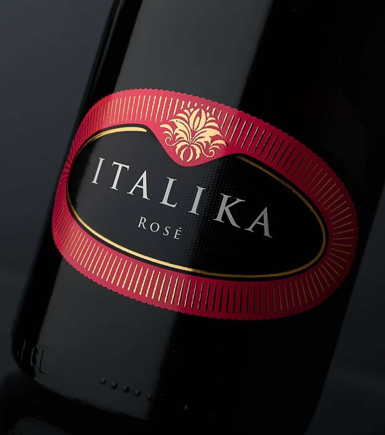 Pin By Guilhermecaio On Garbo With Images Beverage Packaging Awesome Wine Labels Wine Label