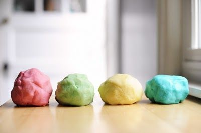 Rust & Sunshine: Homemade Play Dough - I tried this from this blog - it works great, needed a touch more flour, but the kids love it!!