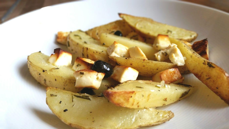 Gebackene Kartoffelecken mit Hirtenkäse und Oliven, glutenfrei #kartoffeleckenbackofen Gebackene Kartoffelecken sind ein einfaches Rezept, d.h. sie brauchen wenig Vorbereitung und wenn´s einmal im Ofen ist, dann muss man nur noch warten. #kartoffeleckenbackofen Gebackene Kartoffelecken mit Hirtenkäse und Oliven, glutenfrei #kartoffeleckenbackofen Gebackene Kartoffelecken sind ein einfaches Rezept, d.h. sie brauchen wenig Vorbereitung und wenn´s einmal im Ofen ist, dann muss man nur noch wart #kartoffeleckenbackofen