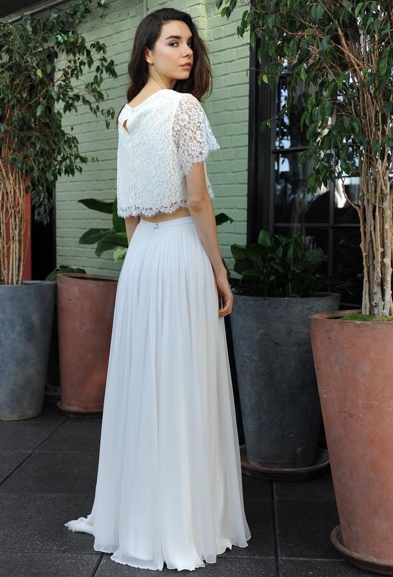 Sarah Seven's Fall 2016 Wedding Dress Collection Keeps It