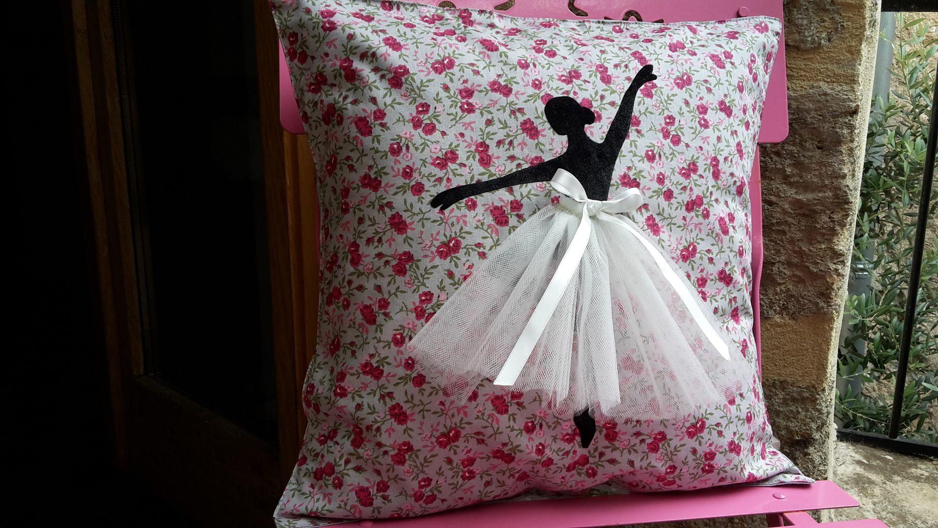 Chambre Danseuse Etoile concernant housse de coussin motif danseuse �toile pour chambre d'enfant