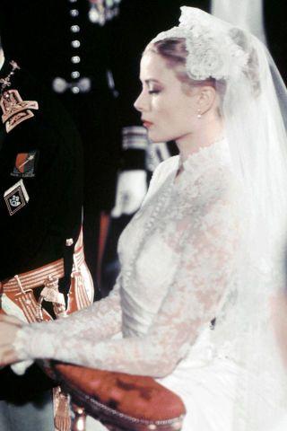 Thelist Wedding Hair Inspiration Grace Kelly Wedding Grace Kelly Wedding Dress Princess Grace Kelly