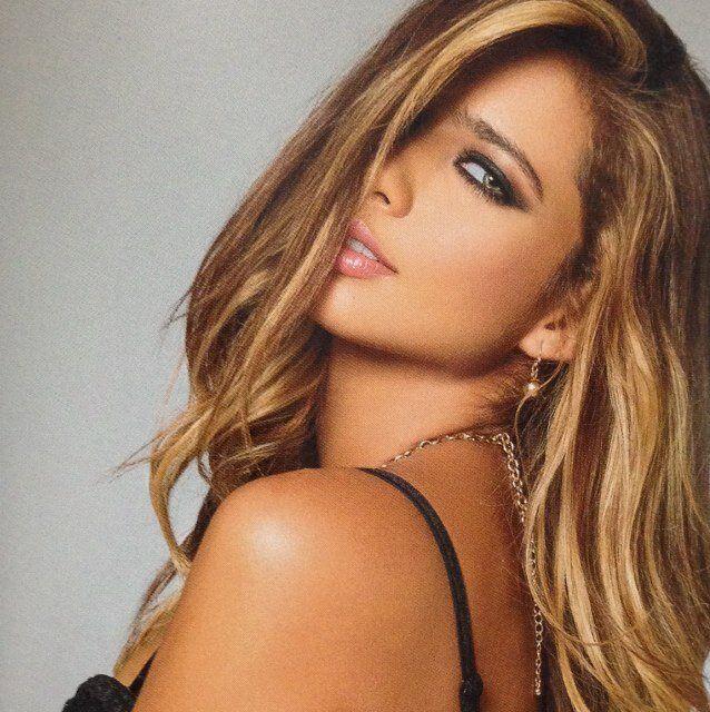 Catalina Otalvaro | Beauty, Beauty face, Hair styles