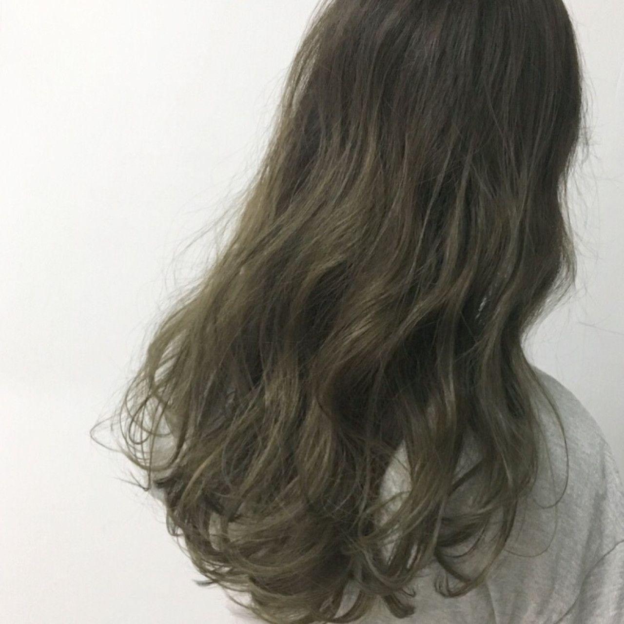 ロング グレー 透明感 カーキアッシュ Know Hair Studio 井上 拓耶