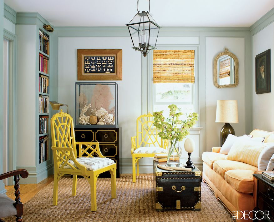 Scott Currey design - photo - Richard Davies - elle decor bamboo blinds chinoiserie occasional chairs