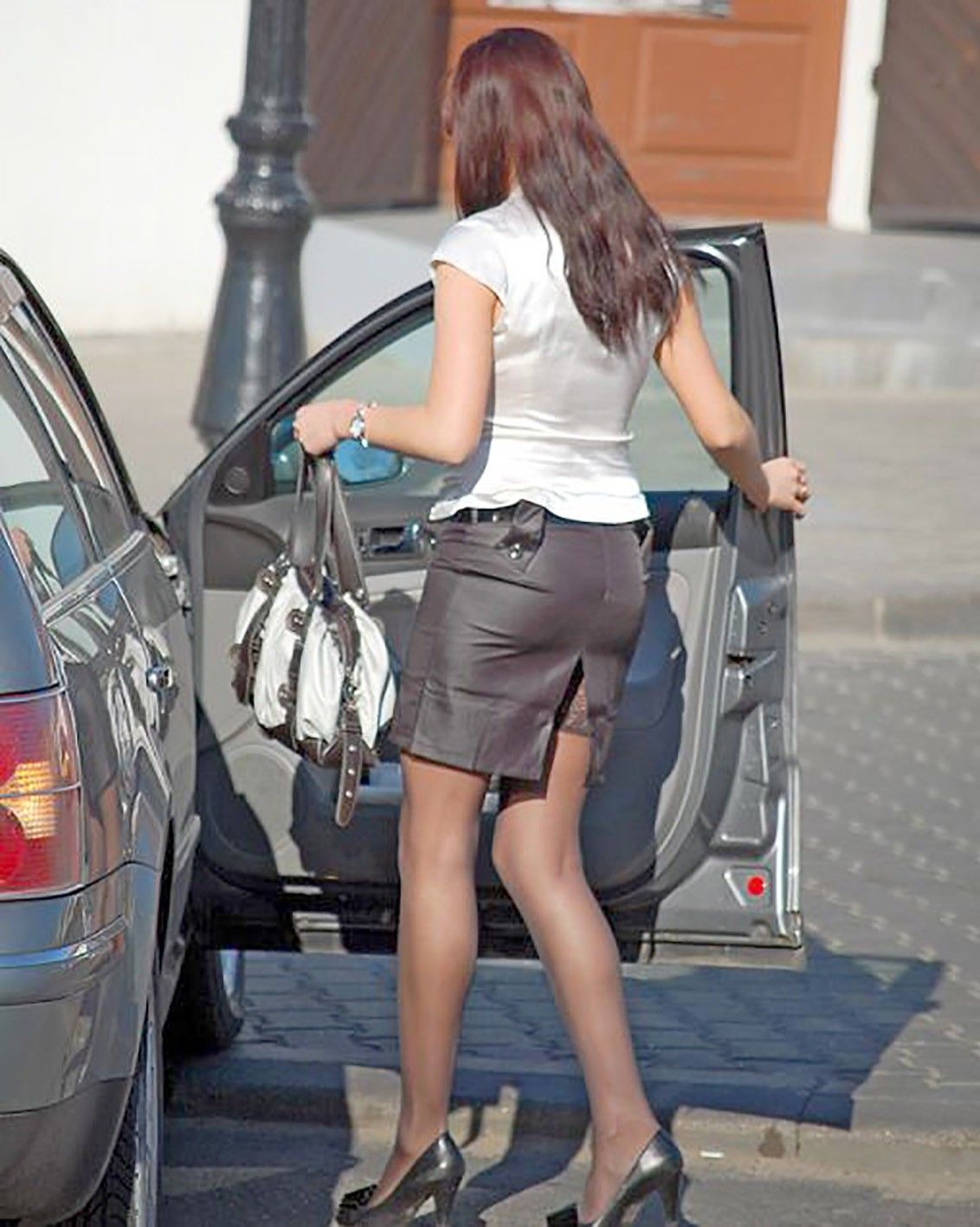 9f5a1fa1d As This Candid Office Girl Walks To Her Car Her Skirt Reveals Her Stockings  Tops - Girls With Legs