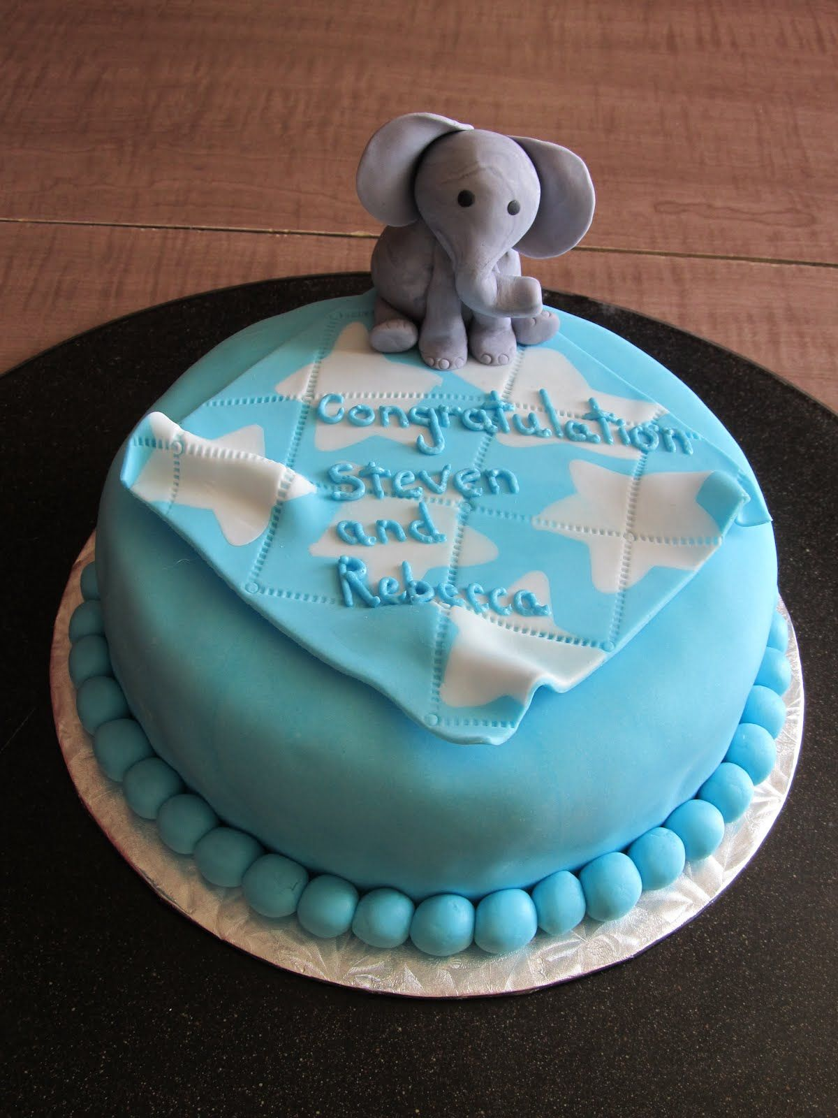 Cake Designs by Steph Elephant Babyshower cake & cupcakes
