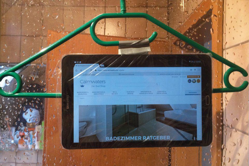 Tablet Frischhaltefolie Bugel Neuer Entertainment In Der Dusche Shower Showerhack Lifehack Hack Dusche Ideen Losung Calmwat Dusche Hacks Life Hacks