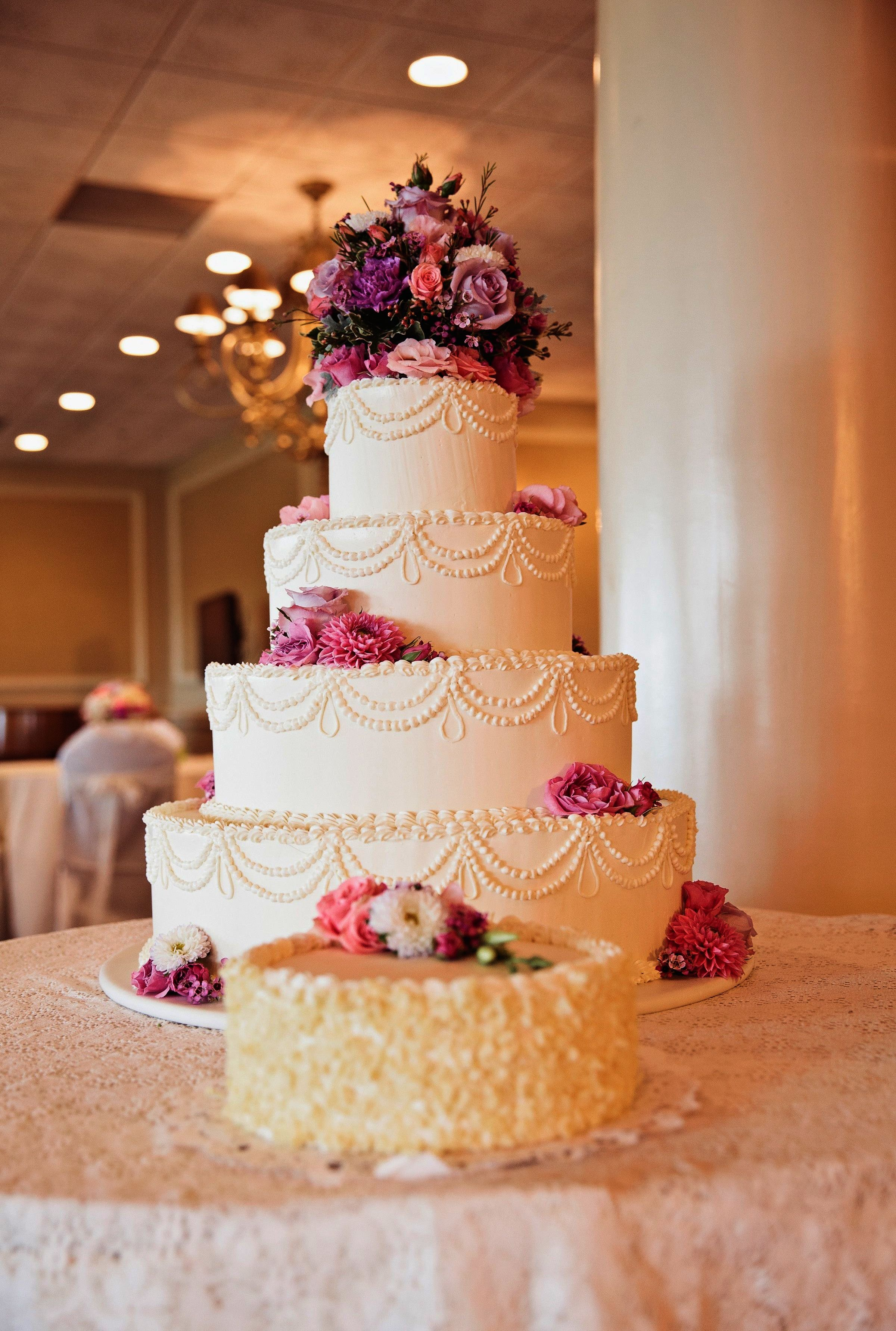 Barn wedding venues near joplin mo  Beautiful Homemade Wedding Cakes Wedding Cakes Joplin Mo  Wedding