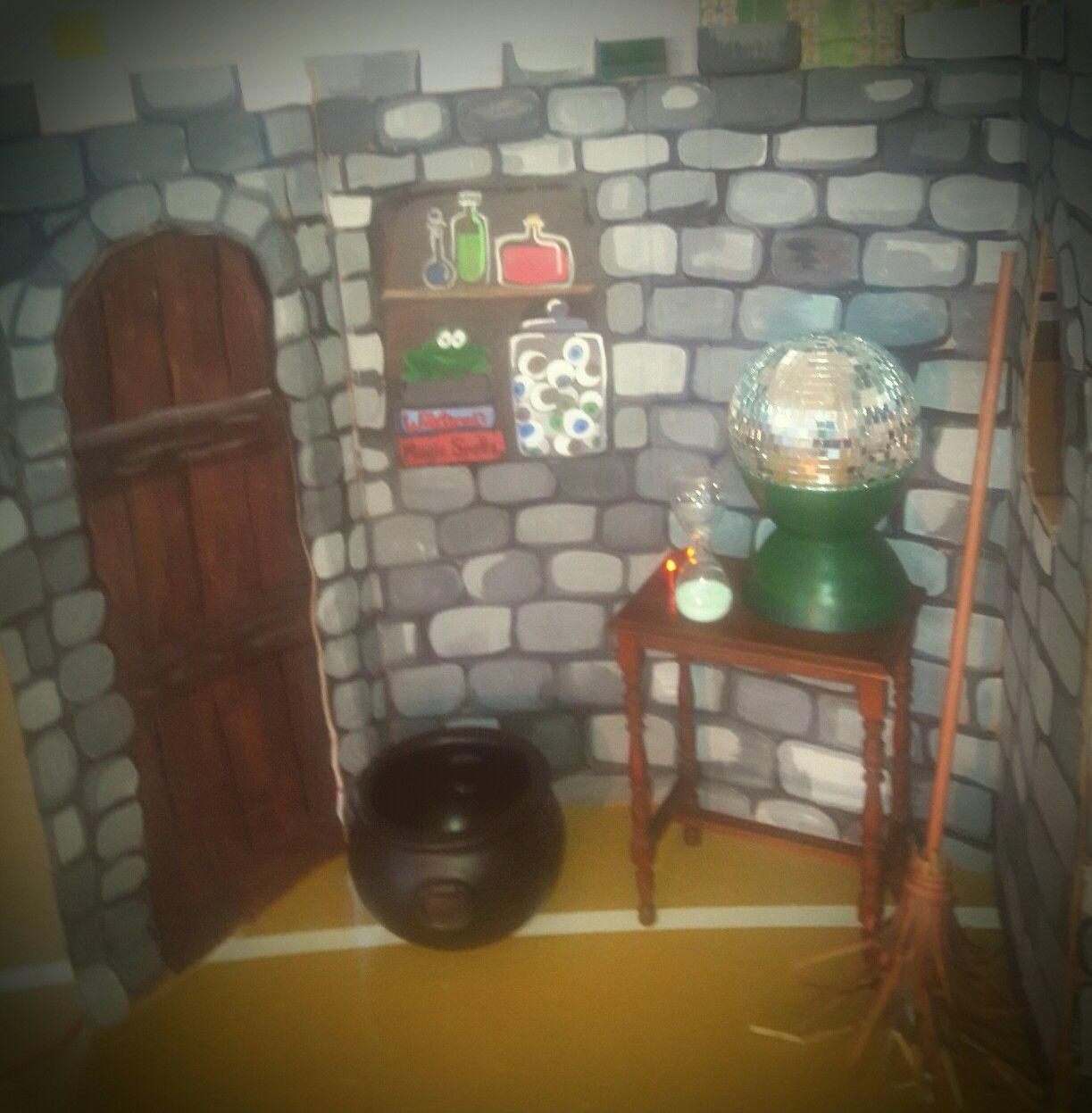 Castle Interior Design Set witch's castle interior wizard of oz | wizard of oz set design