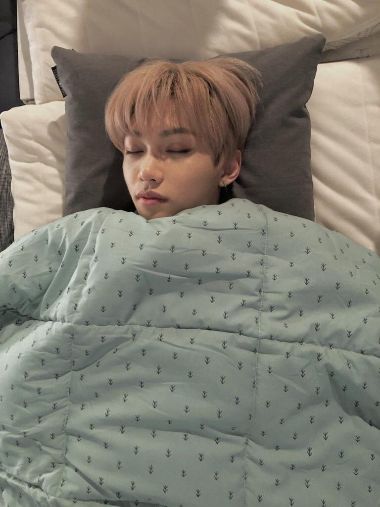 Aiza On Twitter Felix Stray Kids Felix Kids Sleep