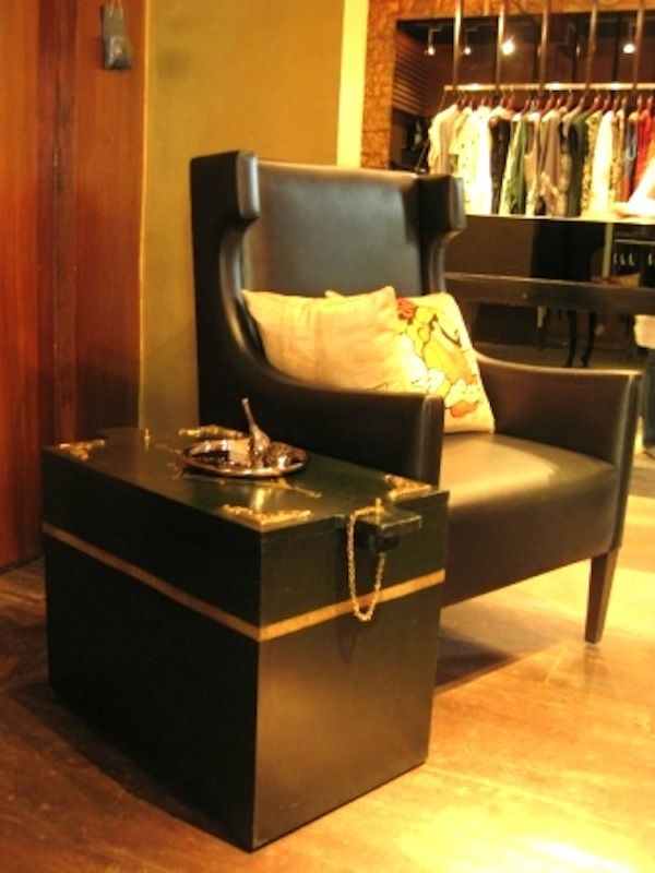 Using Storage Chests Trunks In Home Decorating Furniture India Trunks And Chests Storage Chest #storage #trunks #living #room