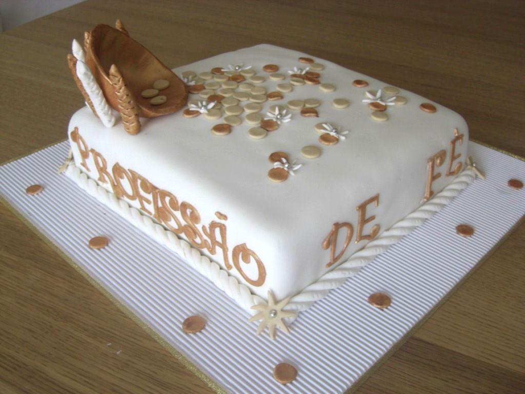 Bolos decorados para a comunhão - http://www.boloaniversario.com/bolos-decorados-para-a-comunhao/