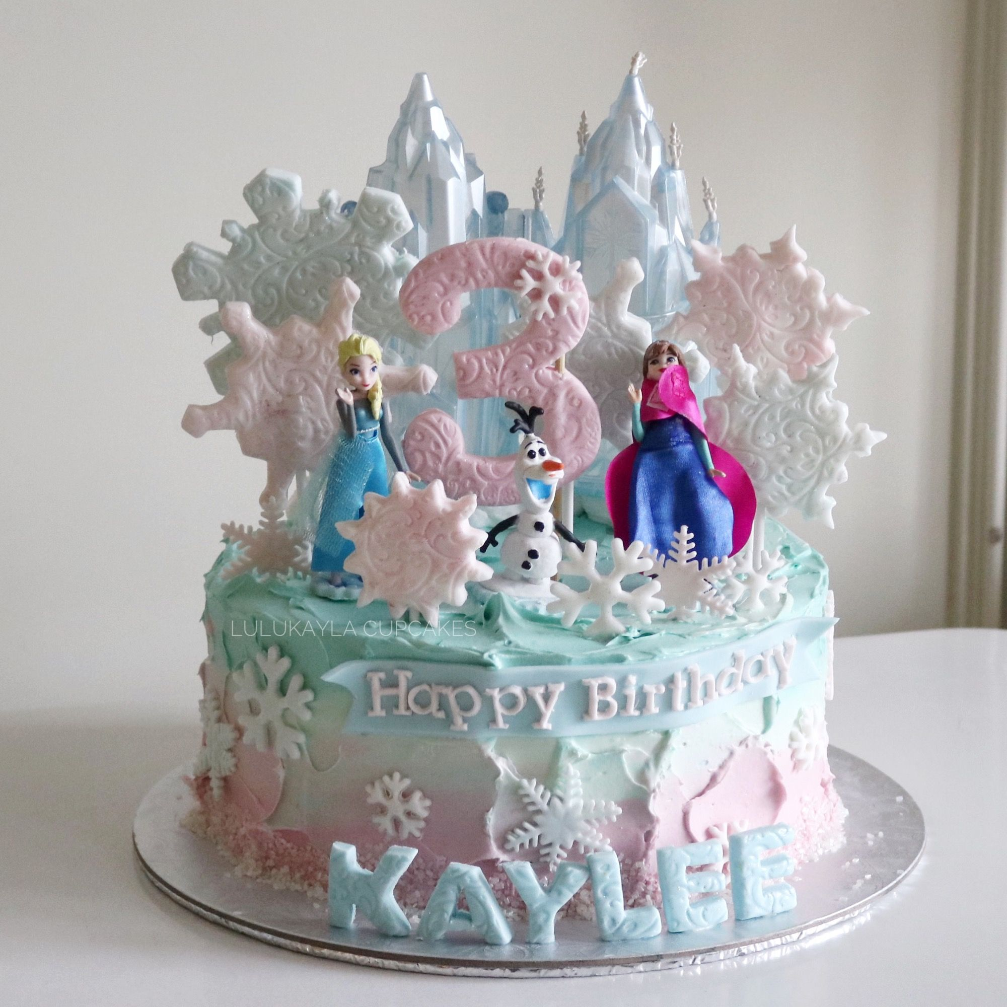 Frozen Cake With Images Frozen Cake Easy Cake Decorating