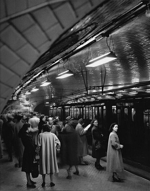 Metro Madrid 1950s  Photo: Francesc Catala Roca