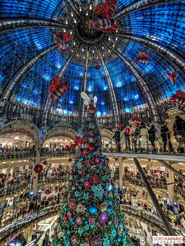 Paris Galeries Lafayette Christmas Windows And Tree 2019 Pictures And Video Sortiraparis Com