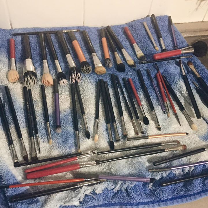 Love/Hate. The more I buy, the happier I am, until it's time to clean them  #makeup #followback #beauty