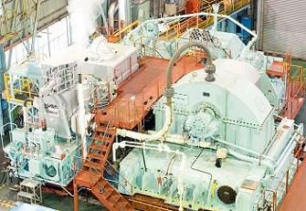 Steam turbine propulsion system with reduction gear  http://www.khi.co.jp/machinery/product/ship/ship.html