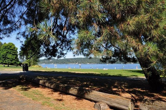 Matthews Beach Is A Neighborhood In Northeast Seattle That Borders Lake Washington The Area Known For Its Of Same Name And Access To