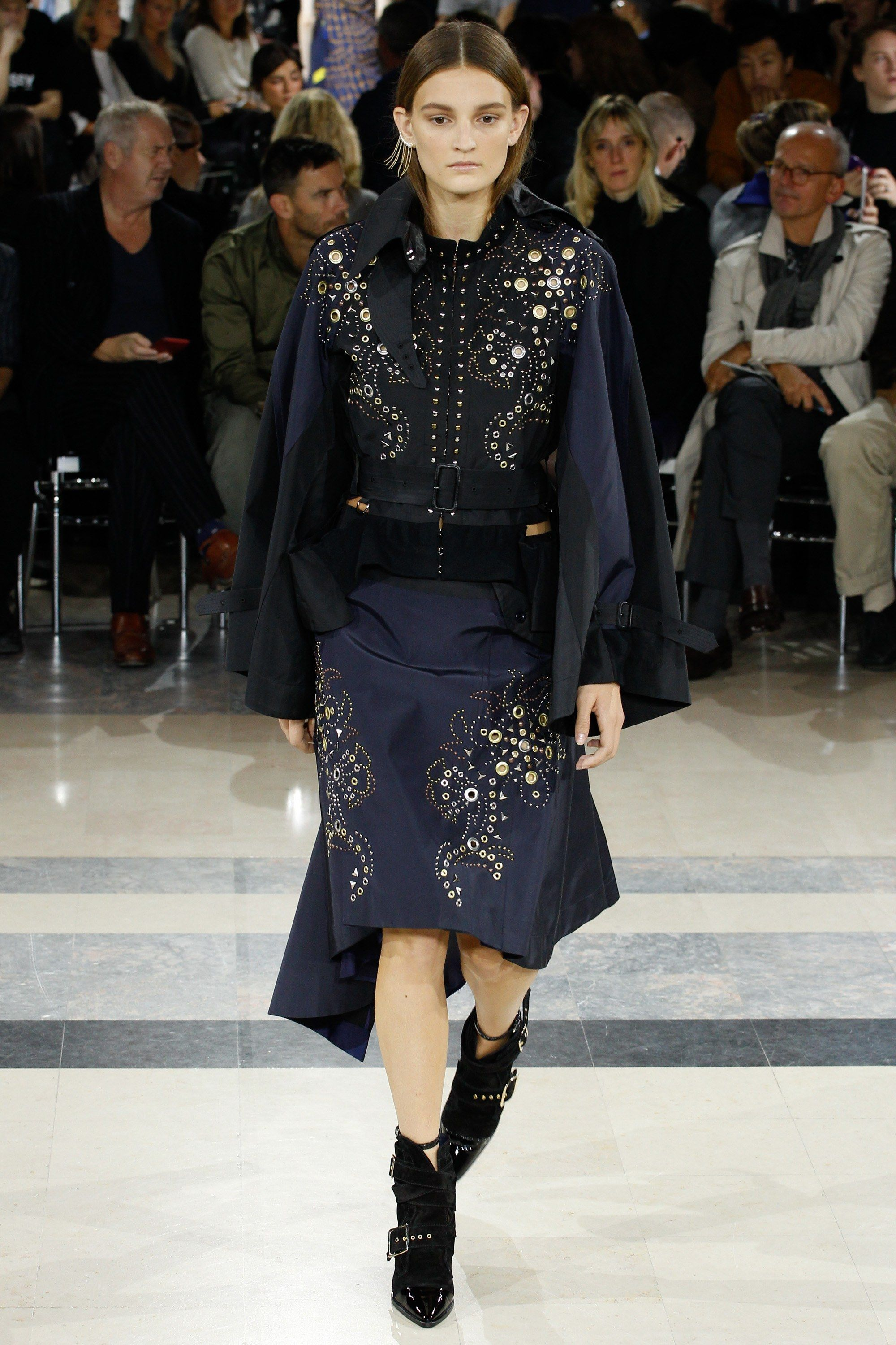 No one blinked at the marc jacobs fashion show when a model wore a - Sacai Spring 2016 Ready To Wear Fashion Show