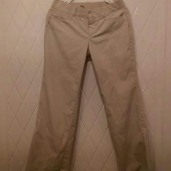 Docker's Slacks Nice Dress Pants / KHAKI in color / Size 4 Dockers Pants Trousers