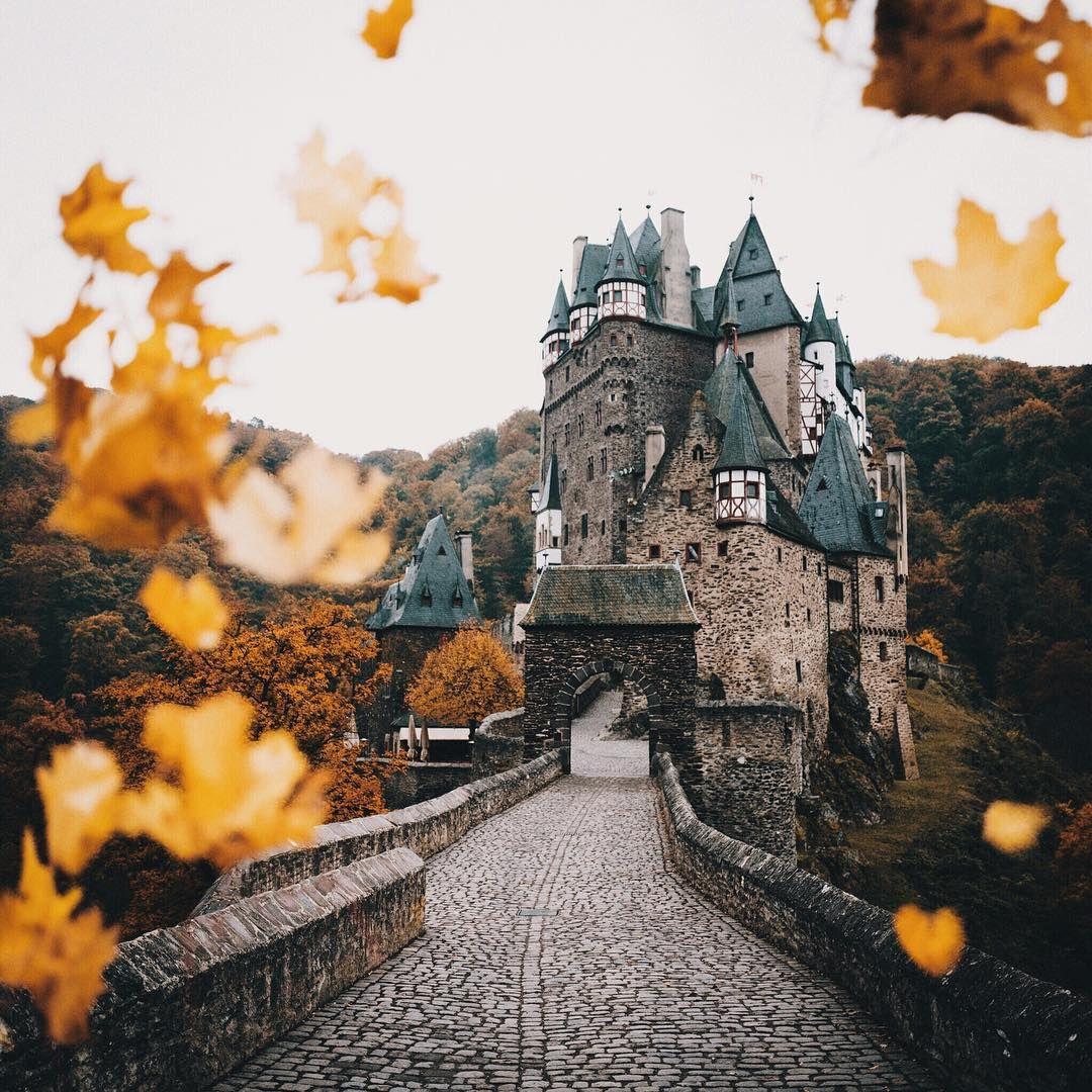Autumn In Eltz Castle Germany Photo By Hannes Becker Link To His Instagram Profile Deutschland Burgen Becker Burg